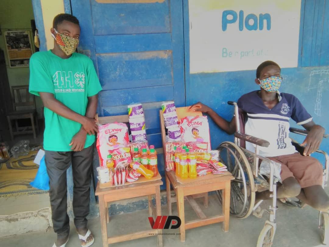 Photo of C/R: WaWa Project Donates To Disabled Students At Kobina Ansa M/A Basic School (Photos)