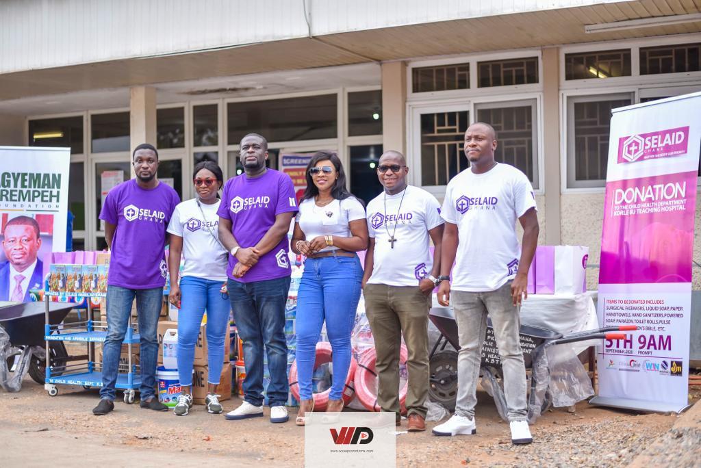 Photo of PHOTOS: SELAID Ghana, Agyemang Prempeh Foundation Donate Items To Korle-Bu Hospital