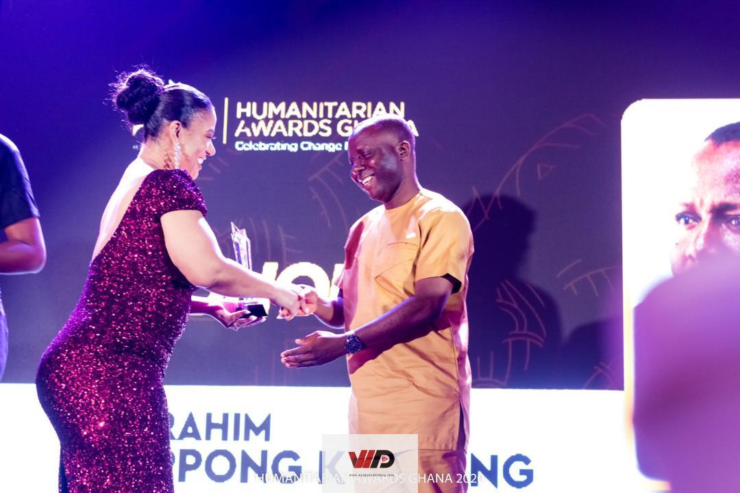Photo of Ibrahim Oppong Kwarteng Receives Honorary Award At Humanitarian Awards Ghana 2020
