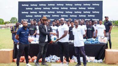 Photo of Betway Donates Equipments To Community Teams In Ashanti Region